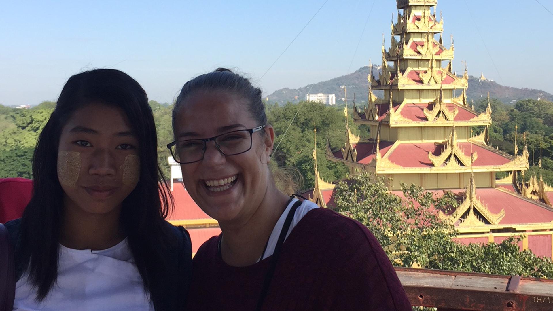 Chica con Thanaka en Myanmar