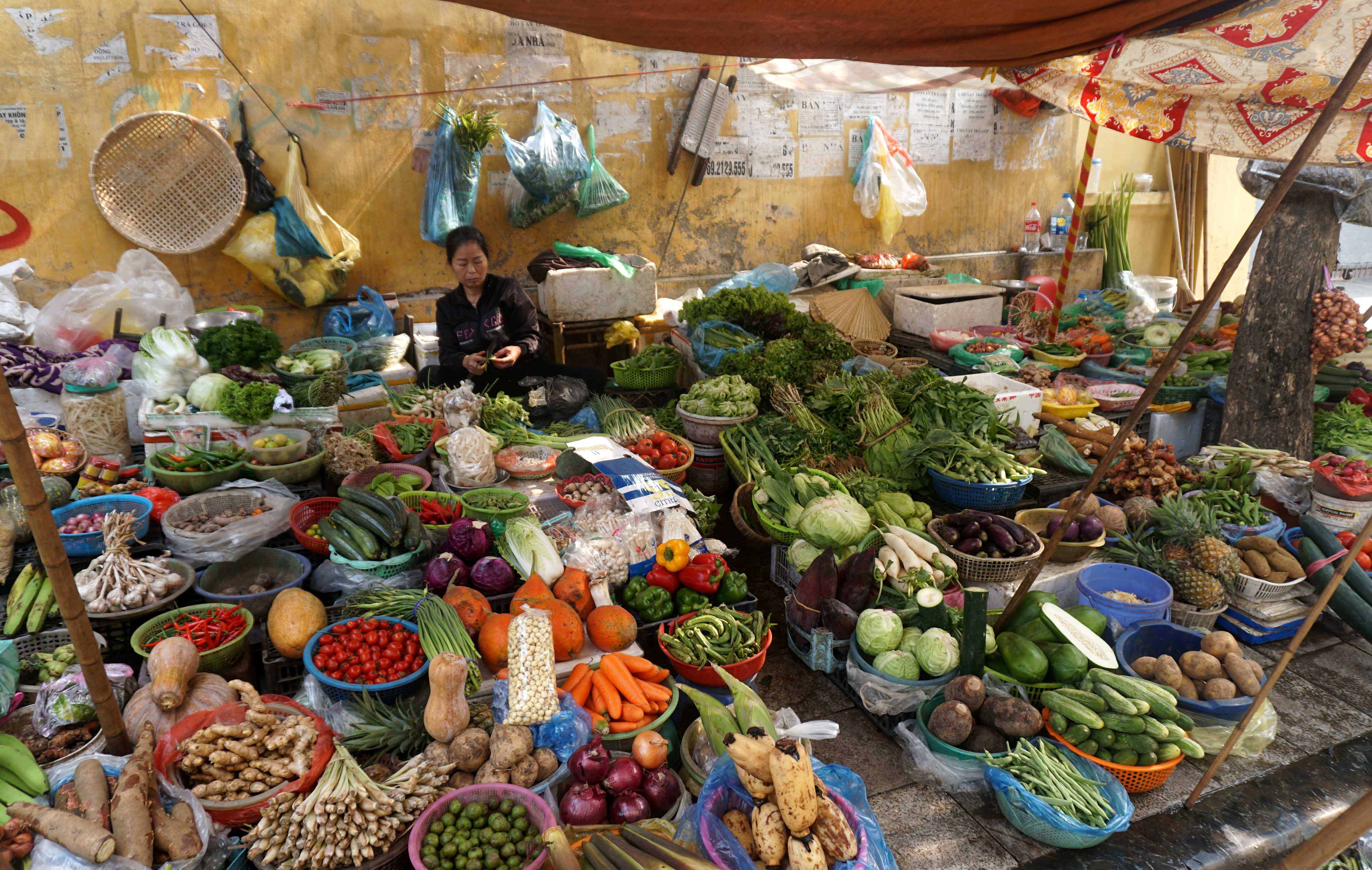 Puesto en el mercado callejero de P Thanh ha