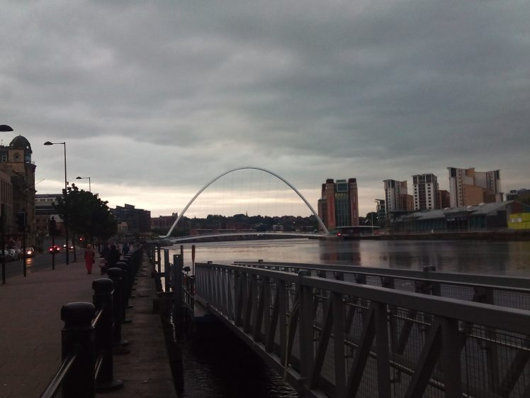 Tyne River y Gateshead Bridge